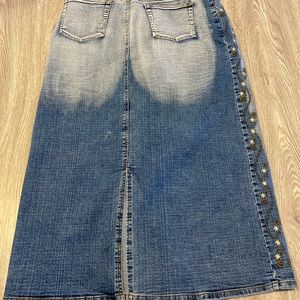 Bdl 3 @ $25 embroidered jean skirt, size 34